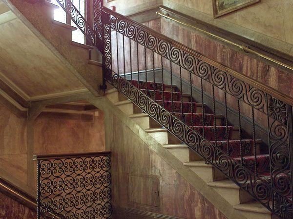 Оформленный в типично венецианском стиле отель расположен в...